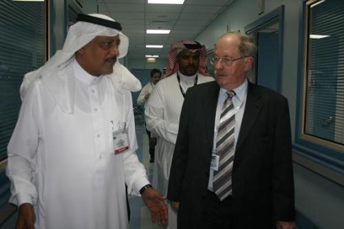 Dr. Al-Harthi und Hersche1 / Zum Vergrößern auf das Bild klicken